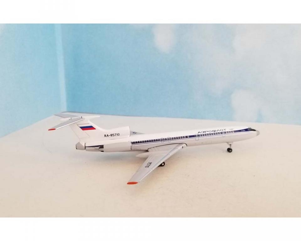 ACMVL061 AeroClassics Tu-154M 1//400 Model RA-85677 Mavial